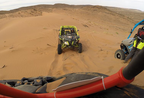 DUNE BUGGY IN THE DESERT SAHARA